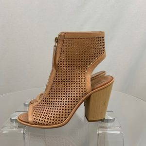 Vince Camuto Tan Booties Size 6 1/2